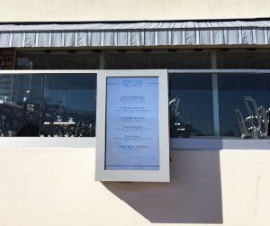 """L'Agence VISTACOM accompagne le restaurant Le Calypso dans ses outils """"Digital Média"""" avec la mise en place """"d'écran d'affichage dynamique""""."""